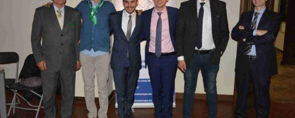"""gli organizzatori e i relatori de """"la riforma costituzionale : le ragioni del no"""" a Salzano"""